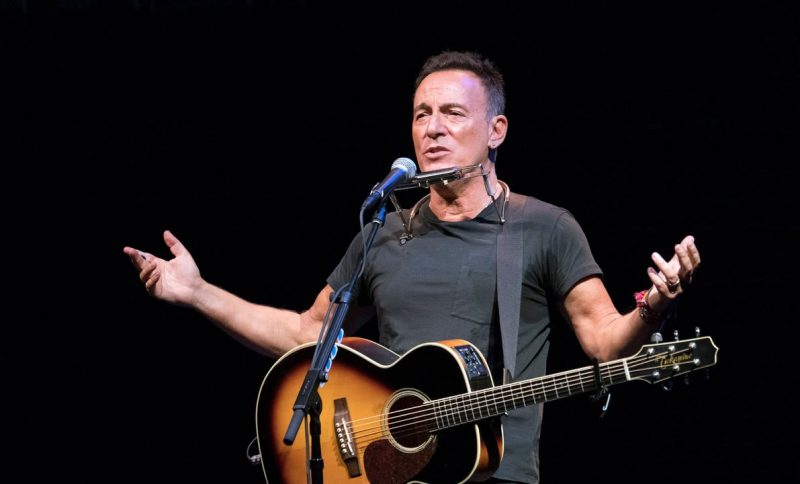 Springsteen-on-Broadway_6