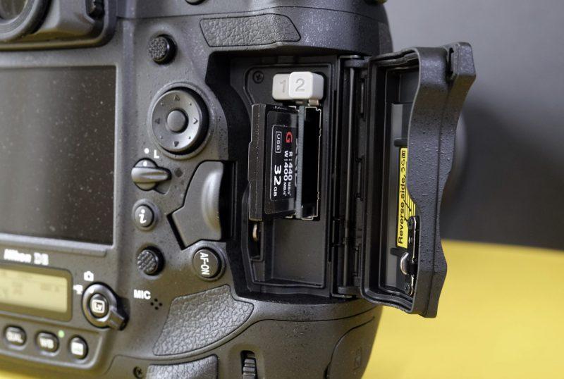 Nikon D6 kortplasser