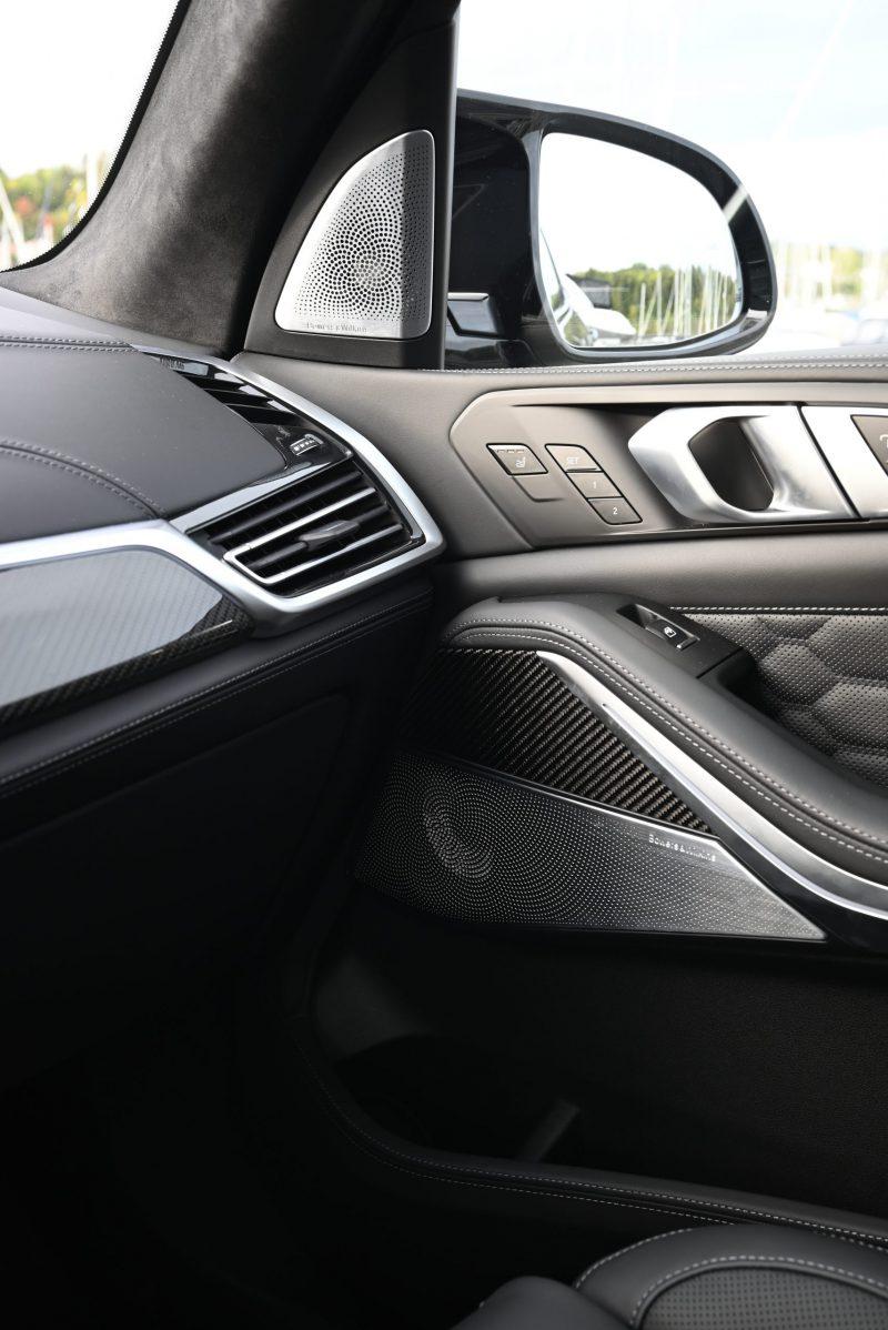 BMW B&W foran