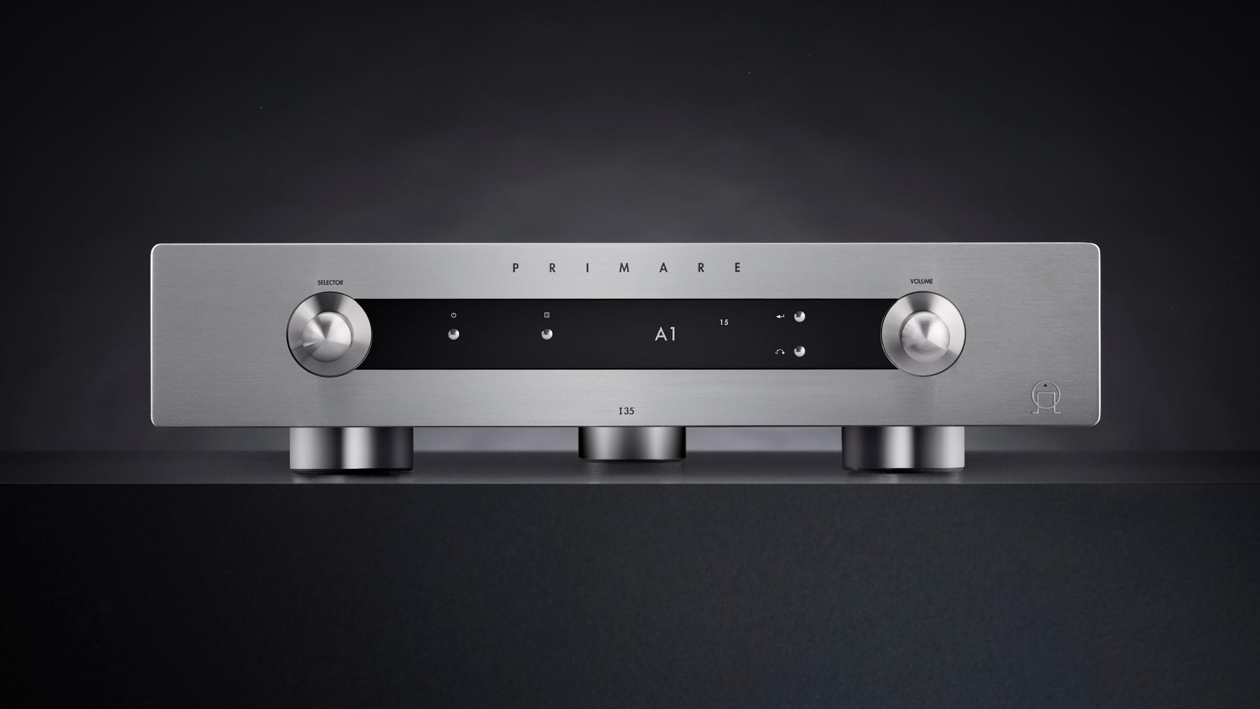 Primare I35 Prisma Titan lifestyle