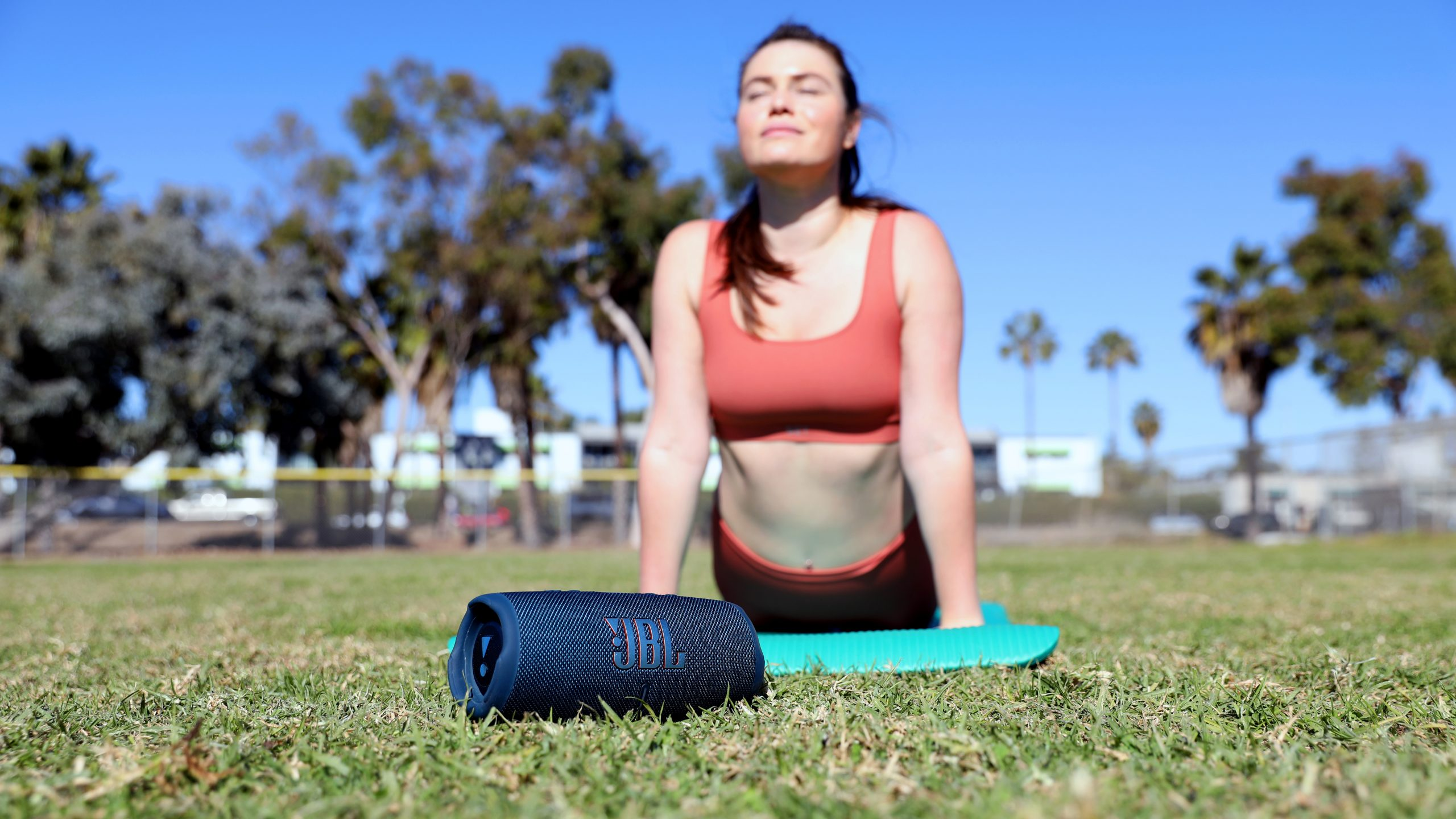 JBL Charge 5 Yoga
