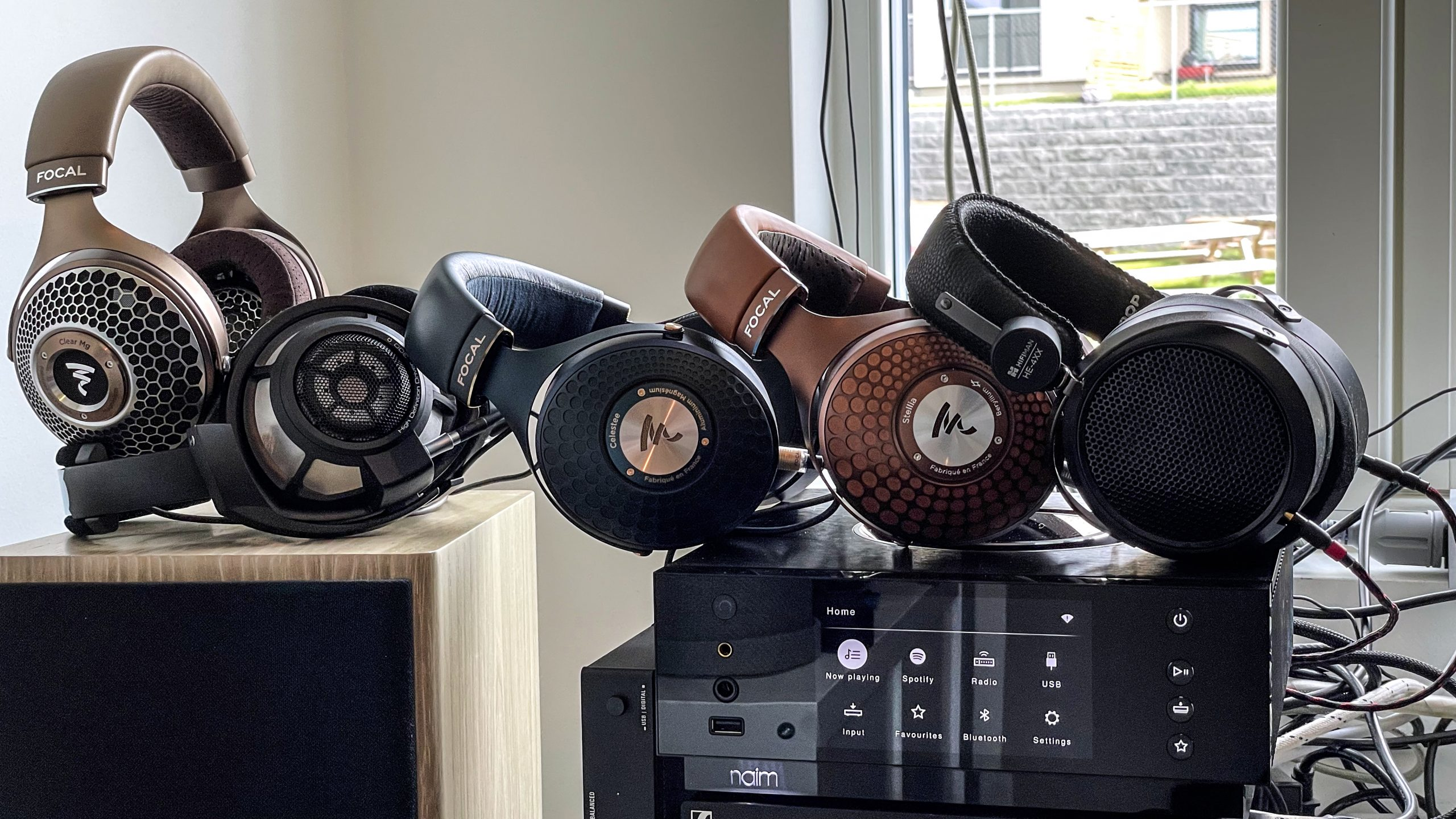 Naim Uniti Atom Headphone Edition & headphones(3)